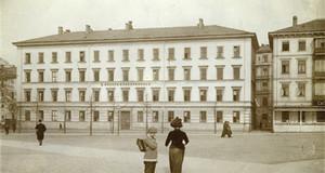 Historisches Foto des Naturkundemuseums am Schulplatz