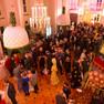 Foyer im Schauspiel Leipzig mit vielen Menschen bei einem Empfang