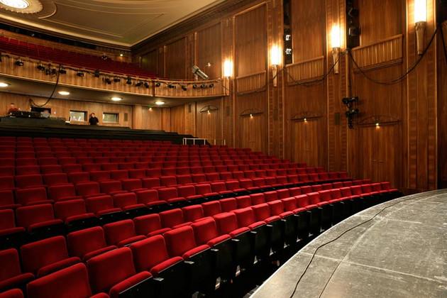 Saal im Schaupiel Leipzig ohne Publikum