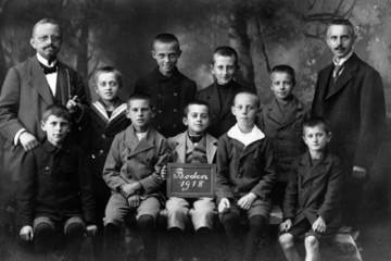 Bild wird vergrößert: Eine Leipziger Jungenschulklasse 1918