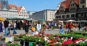 Blumenmarkt auf dem Marktplatz Leipzig