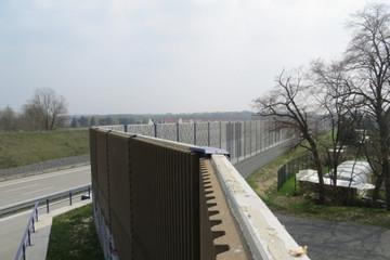 Bild wird vergrößert: Schallschutzwand an der Autobahn A14