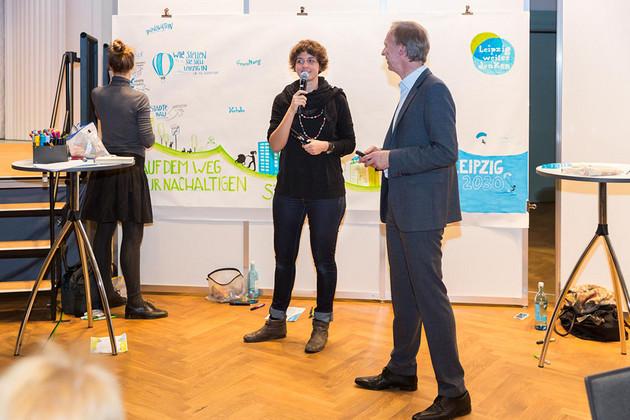 Die Zeichnerin Gariele Schlipf schildert ihren Eindruck von der Diskussion.