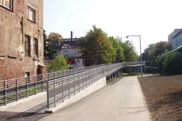 Bild wird vergrößert: Weg an der Anger-Crottendorfer-Bahnschneise