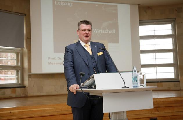 Prof. Dr. Markus A. Denzel beim Referat während des Tags der Stadtgeschichte 2011