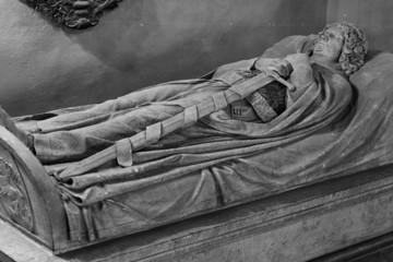 Bild wird vergrößert: Fotografie des Grabmonuments des Markgrafen Dietrich von Meißen in der ehemaligen Leipziger Universitätskirche St. Pauli, um 1930.