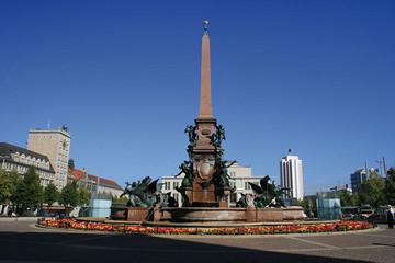 Bild wird vergrößert: Mendebrunnen auf dem Augustusplatz