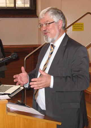 """Professor Dr. Enno Bünz beim Vortrag im Rahmen der wissenschaftlichen Tagung """"Das religiöse Leipzig"""" beim Tag der Stadtgeschichte 2012."""