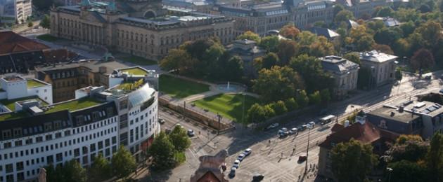Blick vom Turm Neues Rathaus Themenbild auf Kreuzung Martin-Luther-Ring / Harkortstraße / Karl-Tauchnitz-Straße