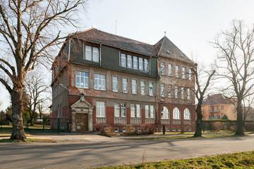 Bild wird vergrößert: Gebäude Grundschule Lützschena