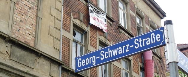 Straßennamensschild der Georg-Schwarz-Straße