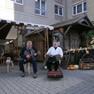 Historischer Handwerkermarkt während der Leipziger Markttage mit zwei Musikanten