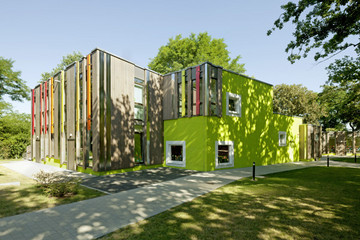 Bild wird vergrößert: Der Architekturpreis 2013 ging als Lobende Erwähnung an den Kindergarten Lichtenbergweg