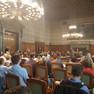 Publikum im Ratsplenarsaal des Neuen Rathauses