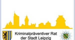 elbe Leipziger Skyline auf hellblauem Hintergrund mit den Wappen von Polizei Sachsen und der Stadt Leipzig mit dem Schriftzug: Kriminalpräventiver Rat.