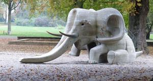 Steinrutsche in Form eines Elefanten