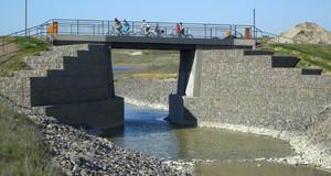 Hebebrücke über den Kanal zwischen Markkleeberger und Störmthaler See