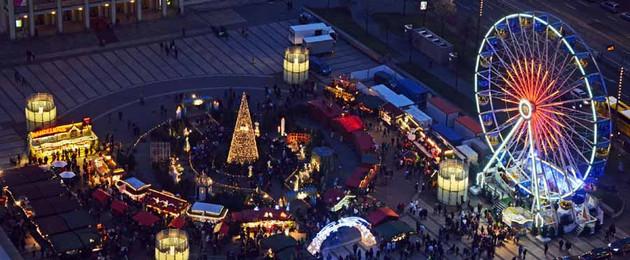 Leipziger Weihnachtsmarkt auf dem Augustusplatz, Abendstimmung Blick von oben 2014