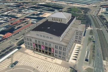 Bild wird vergrößert: Die Oper Leipzig aus der Vogelperspektive im 3D-Stadtmodell mit fotorealistischer Textur
