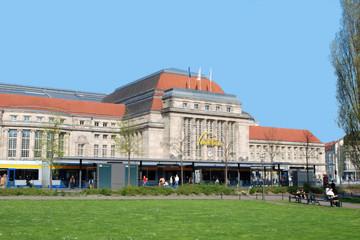 Bild wird vergrößert: Gebäudeansicht des Hauptbahnhofs Leipzig