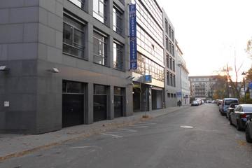 Bild wird vergrößert: Außenansicht des Gebäudes, in dem sich das Parkhaus Zentralstraße befindet.