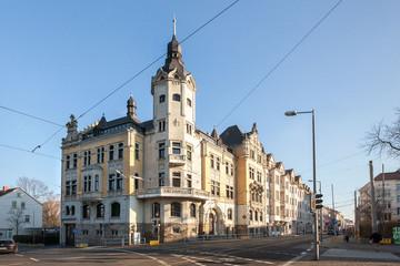 Bild wird vergrößert: Gebäude Rathaus Leutzsch an einer Straßenkreuzung