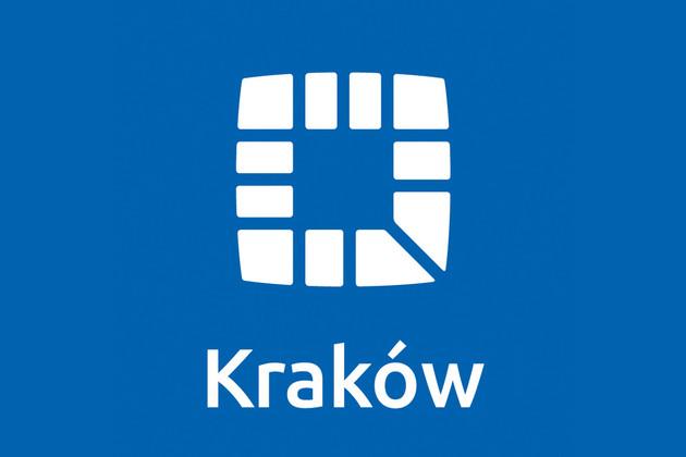 """Blauer Untergrund, ein weißes Quadrat aus mehreren Einzelteilen zusammengesetzt und darunter der Schriftzug """"Kraków"""""""