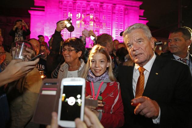 Bundespräsident Joachim Gauck unter den Besuchern des Lichtfestes