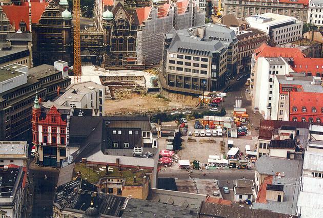Blick auf die Baustelle zum Bau der Tiefgarage