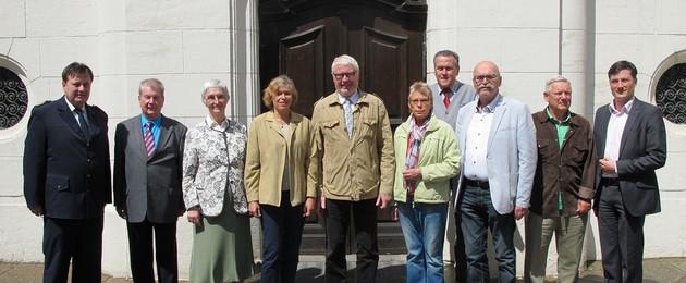 Gruppenbild der Seniorensicherheitsberater vor der Alten Börse