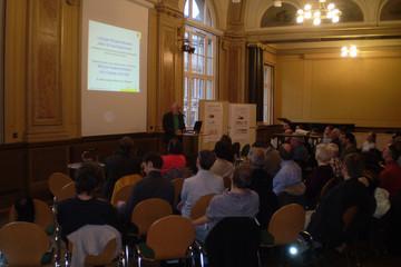Bild wird vergrößert: Veranstaltung in der Volkshochschule zum Bürgerwettbewerb Ideen für den Stadtverkehr