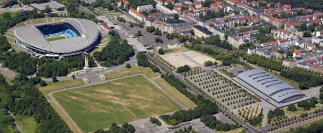 Luftbild Sportforum mit Red Bull Arena und ARENA Leipzig und angrenzender Wohnbebauung