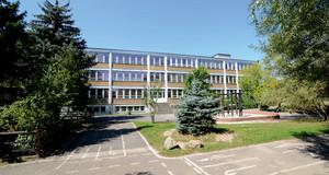 Gebäudeansicht Grundschule - 120. Schule