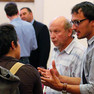 Bürger diskutieren nach der Veranstaltung