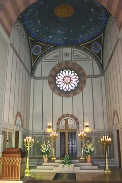 Bild wird vergrößert: Innenansicht der Hauptkapelle auf dem Südfriedhof