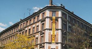 Wächterhaus mit Banner