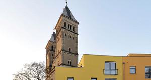 Kleinzschocher Taborkirche und Stadthäuser