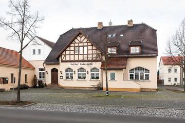 Bild wird vergrößert: Gebäude des Gasthofes Hohenheida