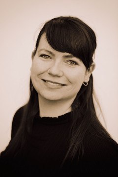 Bild wird vergrößert: Portrait der Koordinatorin für kommunale Entwicklungspolitik der Stadt Leipzig, Sophie Kratzer.