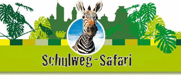 Logo mit Schriftzug-Schulweg-Safari, Aktion für einen sicheren Schulweg, im Grünton gehalten in der Mitte schaut freundlich ein Zebra