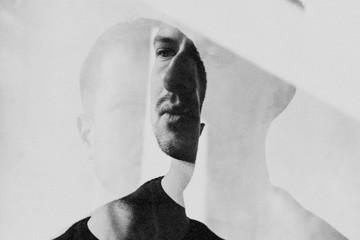 Bild wird vergrößert: Porträt von Philipp Rumsch als Doppelbelichtung.