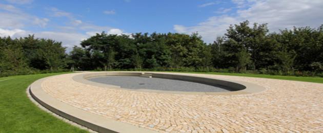 Gedenkort im Park an der Etzoldschen Sandgrube
