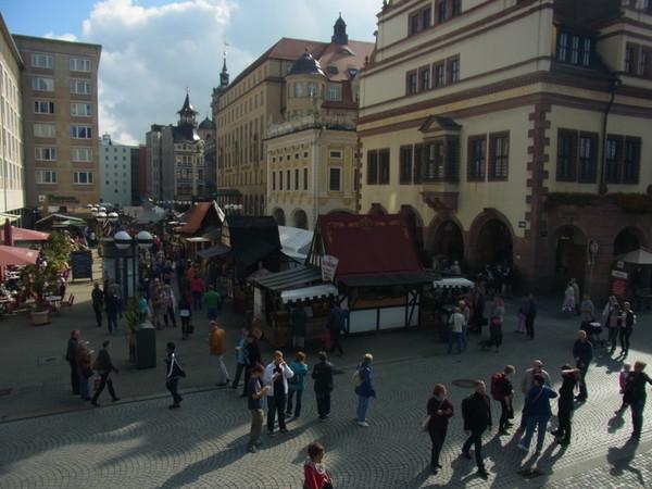 Historische Marktstände zu den Leipziger Marktagen im Salzgäßchen