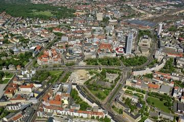 Bild wird vergrößert: Luftaufnahme der Leipziger Innenstadt von Süden.