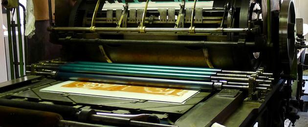 Einblicke in die Lichtdruckwerkstatt im Museum für Druckkunst Leipzig