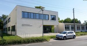 Außenansicht des Gebäudes der Grundschule Böhlitz-Ehrenberg