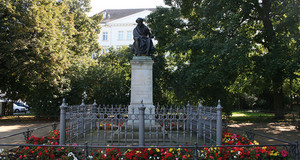Promenadenring Hahnemann Denkmal