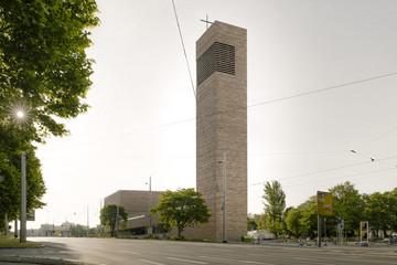 Bild wird vergrößert: Außenansicht der Propsteikirche St. Trinitatis