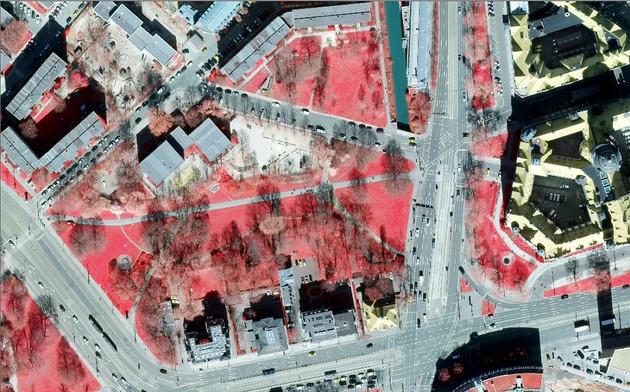 Color-Infrarot-Luftbild von Leipzig mit Blick auf eine Grünanlage am süd-westlichen Martin-Luther-Ring. Die Grünflächen erscheinen rot gefärbt.