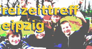 Jubelnde Jugendliche mit Schriftzug Freizeittreff Leipzig